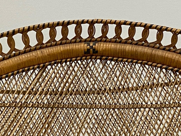 Incredibly Detailed Impressive in Scale Rattan Cobra Peacock Chair For Sale 4