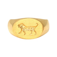 Indented Ancient Lion Revival Signet Ring in 18 Karat Yellow Gold