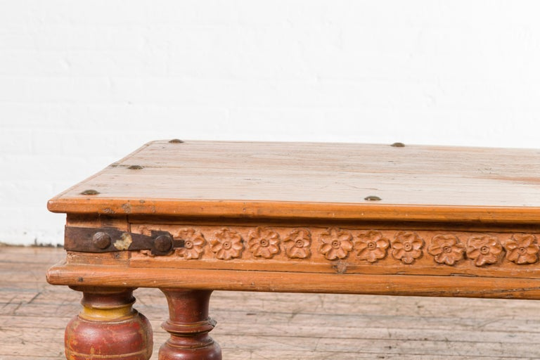 Indian 19th Century Coffee Table with Carved Floral Frieze and Baluster Legs For Sale 5