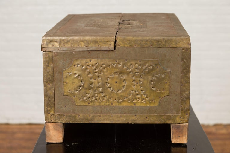 Indian 19th Century Merchant's Chest with Pierced Geometric Decor and Patina For Sale 2