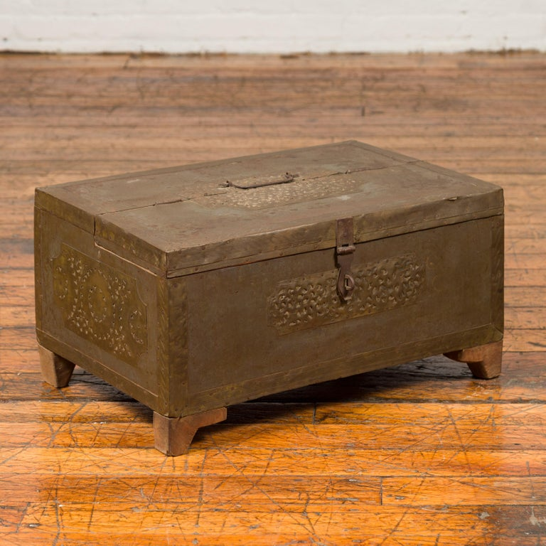 Indian 19th Century Merchant's Chest with Pierced Geometric Decor and Patina For Sale 4