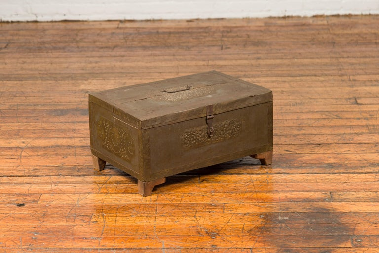 Indian 19th Century Merchant's Chest with Pierced Geometric Decor and Patina For Sale 5