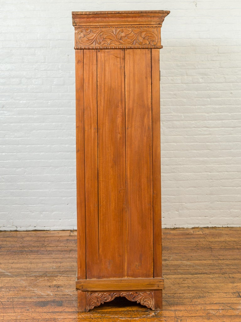 Indian 19th Century Tall Cabinet with Carved Scrolling Foliage and Beaded Motifs For Sale 10