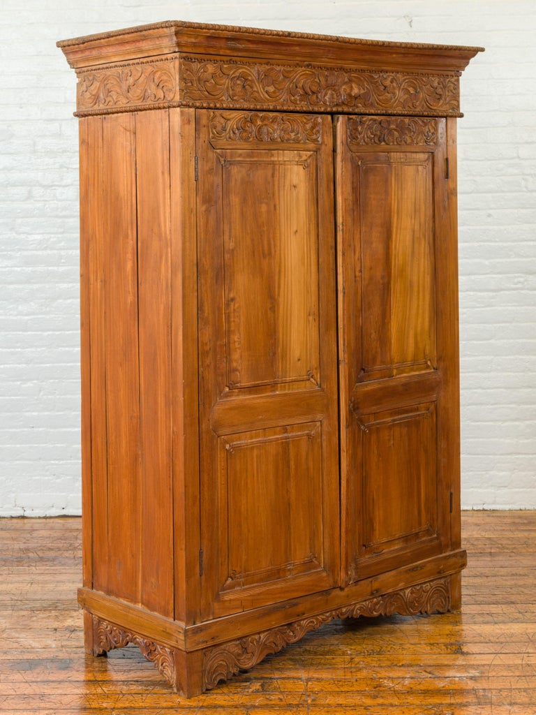 Indian 19th Century Tall Cabinet with Carved Scrolling Foliage and Beaded Motifs In Good Condition For Sale In Yonkers, NY