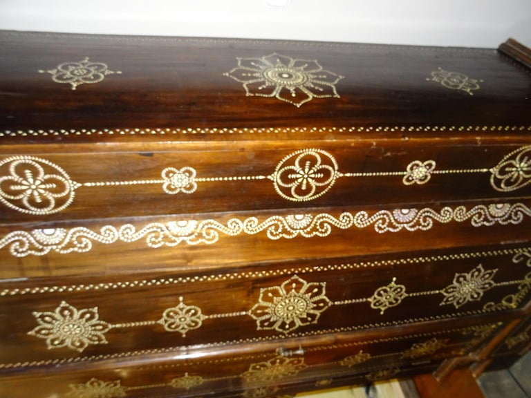 Indian 20th  Wardrobe Mother of Pearl Inlaid Wooden , with Mandalas For Sale 5