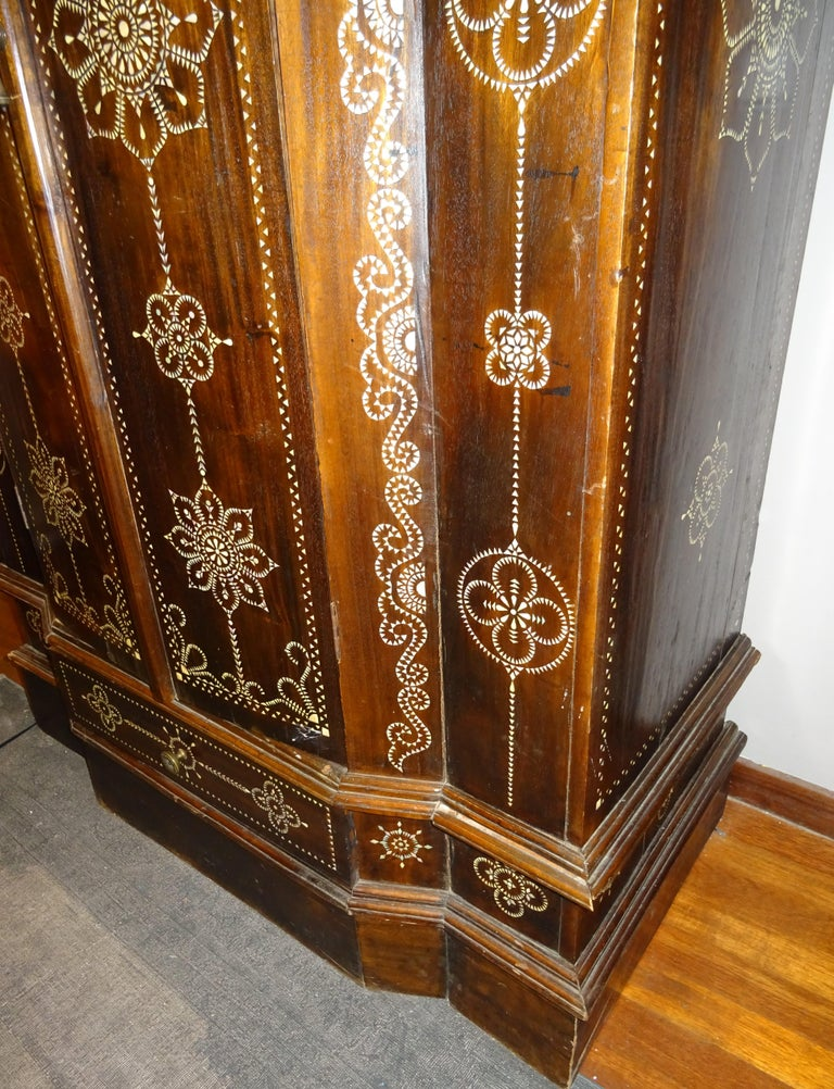 Indian 20th  Wardrobe Mother of Pearl Inlaid Wooden , with Mandalas For Sale 6