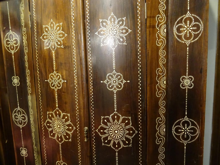 Indian 20th  Wardrobe Mother of Pearl Inlaid Wooden , with Mandalas For Sale 8