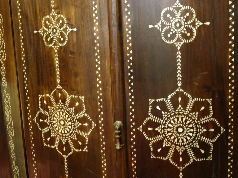 Indian 20th  Wardrobe Mother of Pearl Inlaid Wooden , with Mandalas For Sale 9