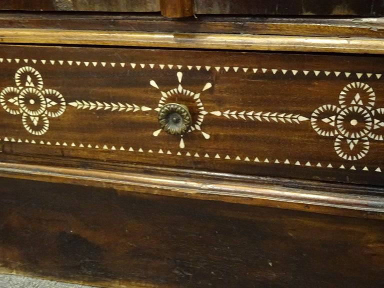 Indian 20th  Wardrobe Mother of Pearl Inlaid Wooden , with Mandalas For Sale 10