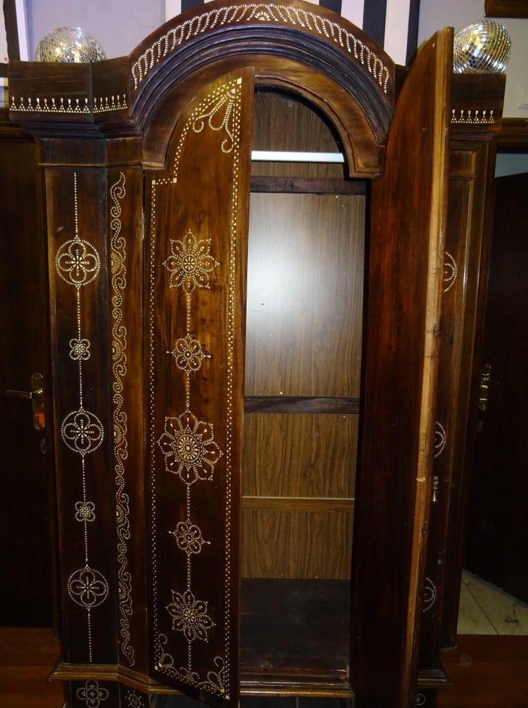 Indian 20th  Wardrobe Mother of Pearl Inlaid Wooden , with Mandalas For Sale 12