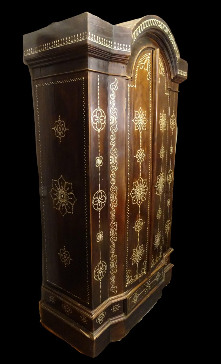 Islamic Indian 20th  Wardrobe Mother of Pearl Inlaid Wooden , with Mandalas For Sale