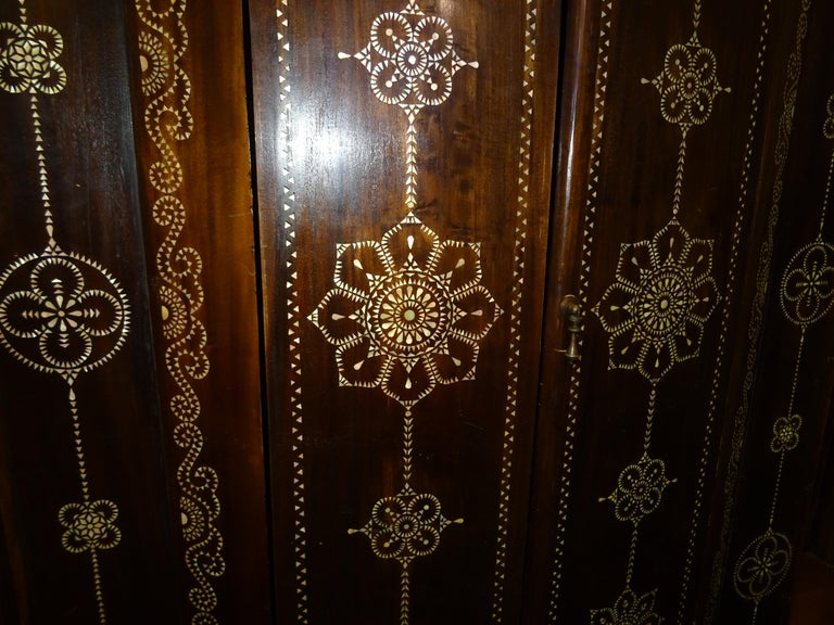 Indian 20th  Wardrobe Mother of Pearl Inlaid Wooden , with Mandalas For Sale 1