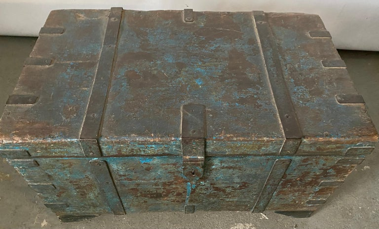 Indian Blanket Chest In Good Condition For Sale In Great Barrington, MA