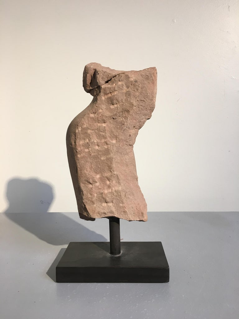 Indian Carved Pink Sandstone Torso of Vishnu, 10th-11th Century In Distressed Condition For Sale In Austin, TX