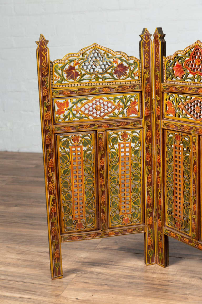 Indian Multi-Color Open Fretwork Hand Carved and Hand Painted Four-Panel Screen For Sale 4