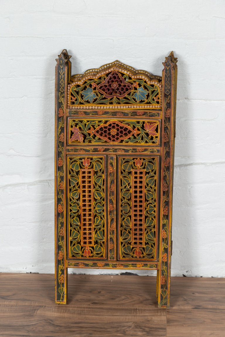 Indian Multi-Color Open Fretwork Hand Carved and Hand Painted Four-Panel Screen For Sale 5