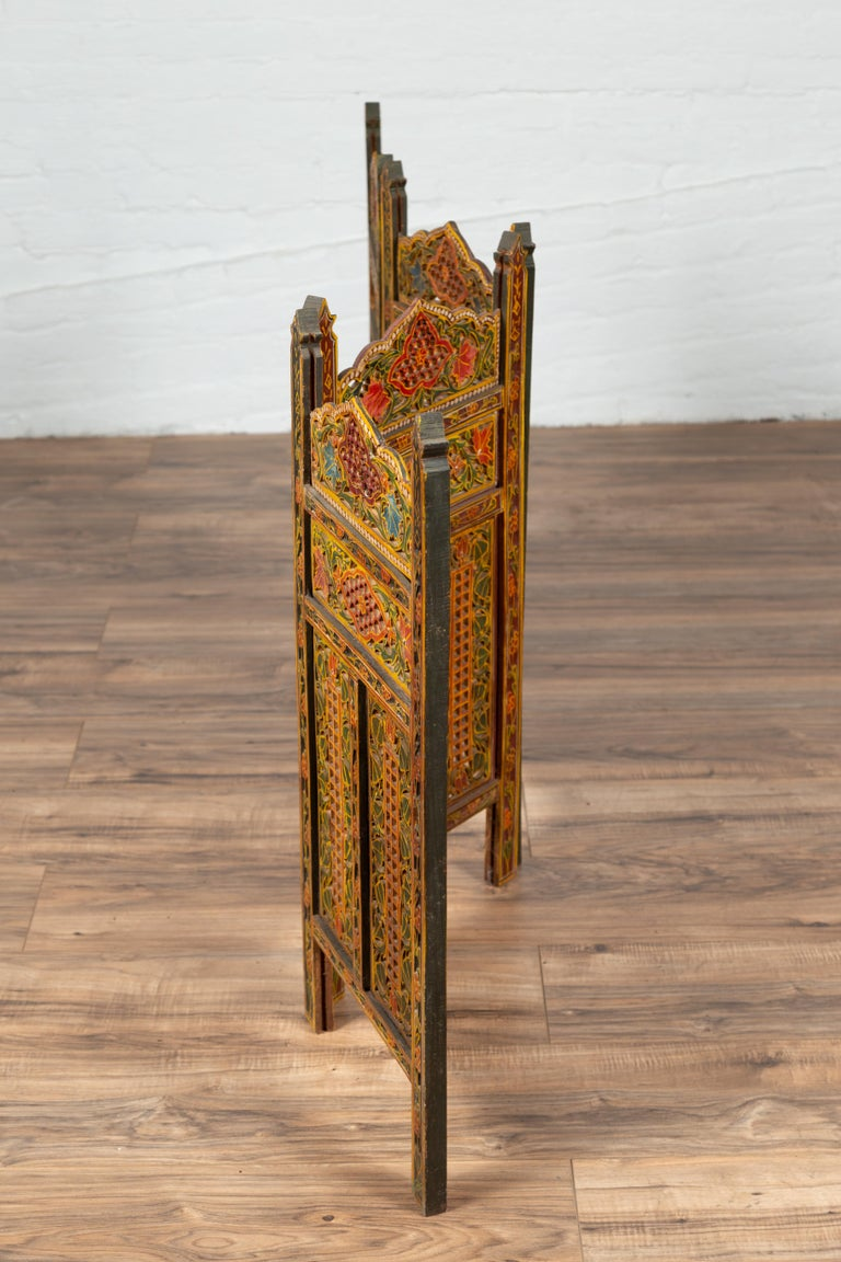 Indian Multi-Color Open Fretwork Hand Carved and Hand Painted Four-Panel Screen For Sale 6