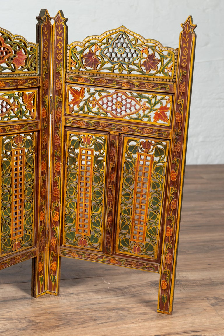 Indian Multi-Color Open Fretwork Hand Carved and Hand Painted Four-Panel Screen For Sale 1