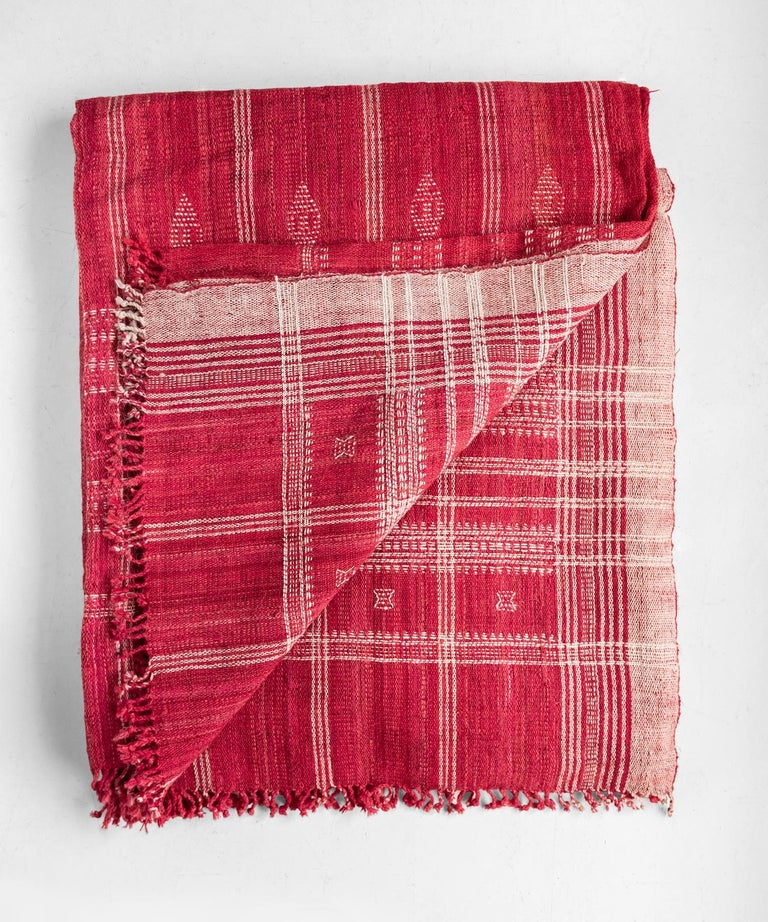 Indian Wool Throw, 20th Century In Excellent Condition For Sale In Culver City, CA