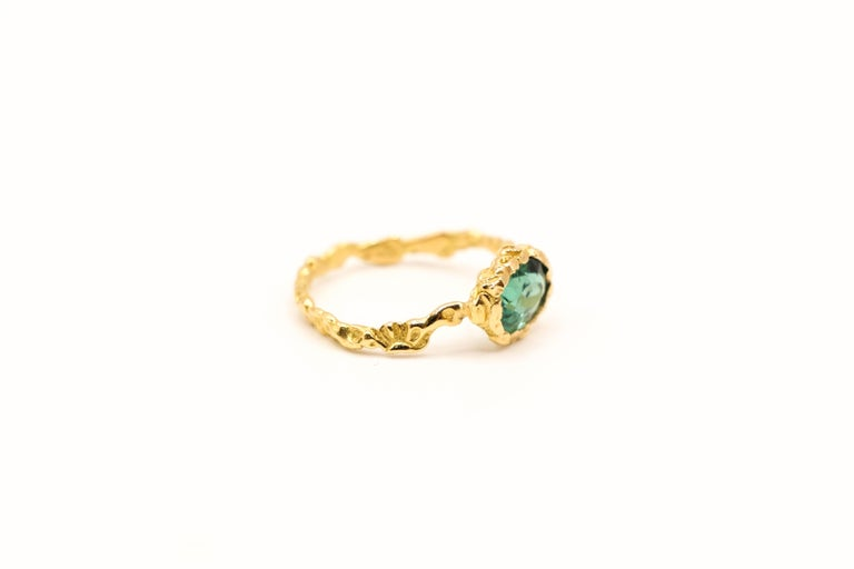 Oval Cut Indicolite Tourmaline 18 Karat Yellow Gold Ring For Sale