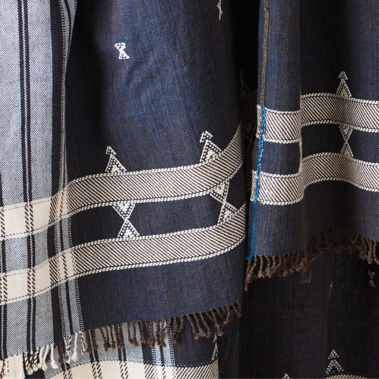 Indie Handloom Throw / Blanket / Bedspread in Indigo Brown Organic Cotton In New Condition For Sale In Bloomfield Hills, MI