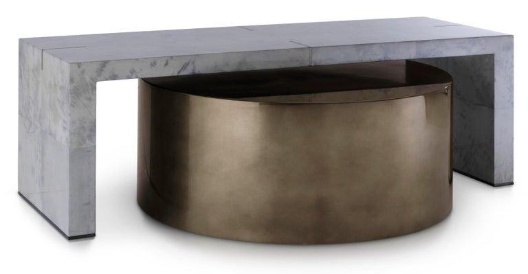 Indigo Skies Kaffeetisch, Großer Zweiteiliger Blau/Grauer und Bronze Tisch  2