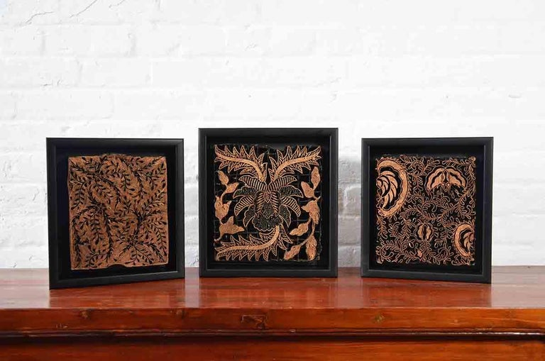 Indonesian Vintage Copper Batik Textile Printing Block Mounted in Shadow Box For Sale 2