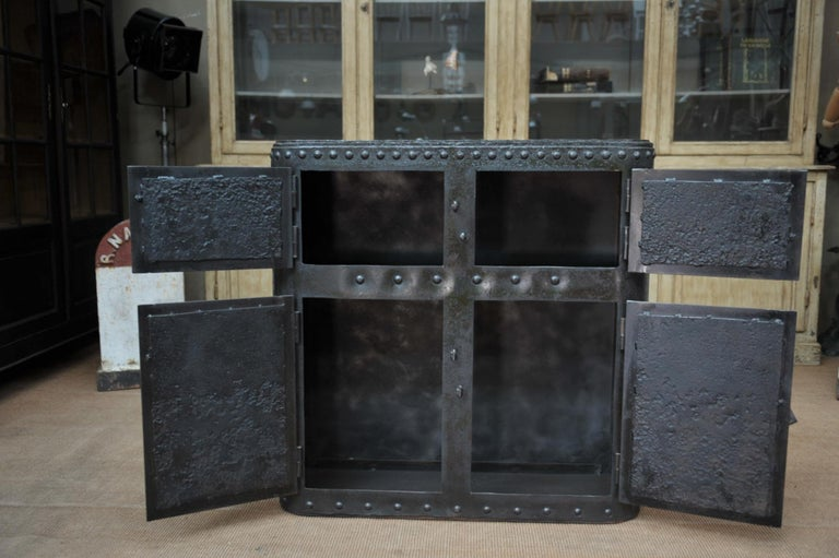 Industrial 4 Doors Cabinet in Riveted Iron, circa 1900 For Sale 6