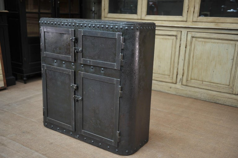 Industrial 4 Doors Cabinet in Riveted Iron, circa 1900 For Sale 1