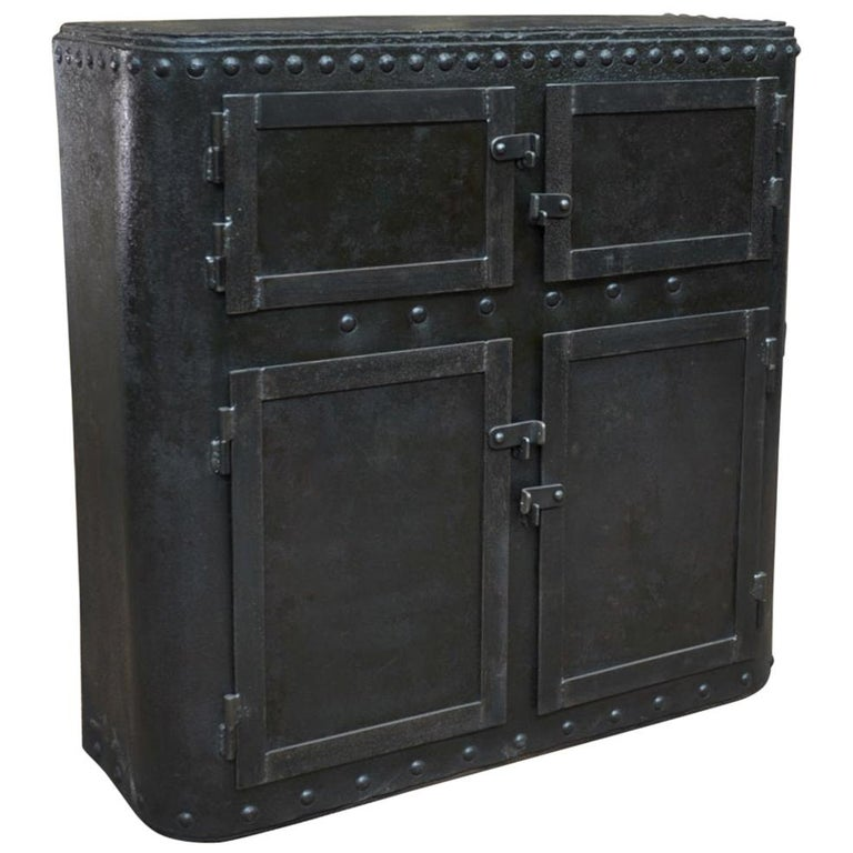 Industrial 4 Doors Cabinet in Riveted Iron, circa 1900 For Sale