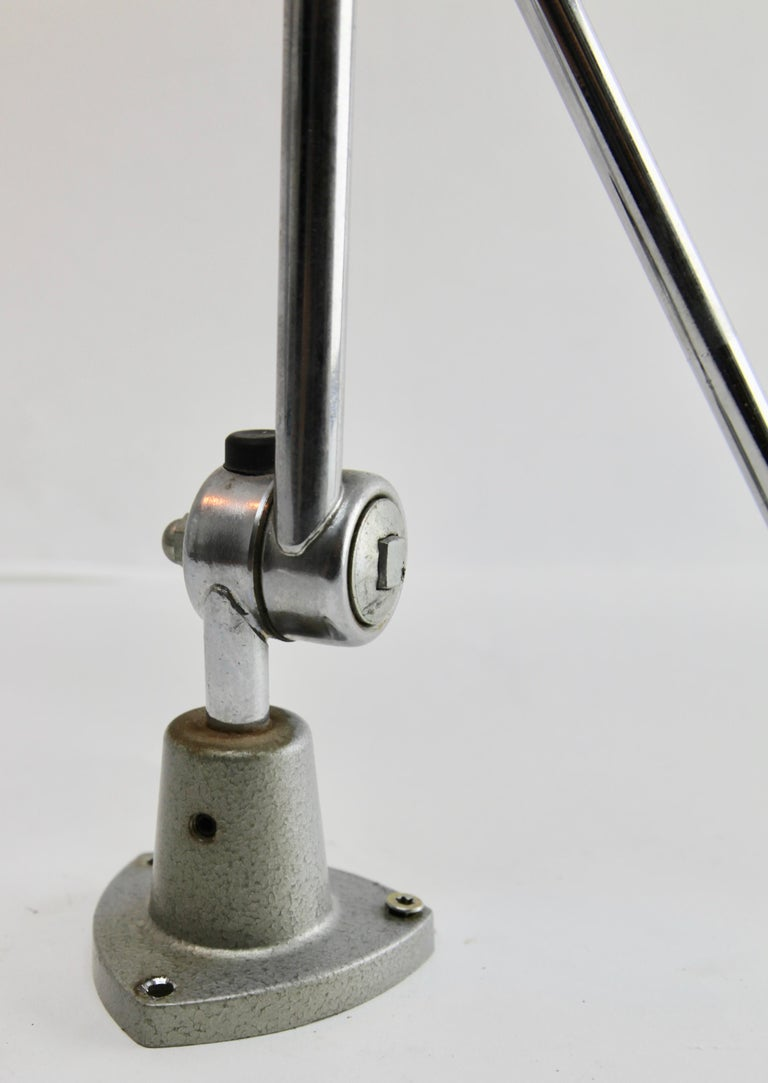 German Industrial Anglepoise Lamp 'Silver-Grey' with Adjustable and Flexible Sections For Sale