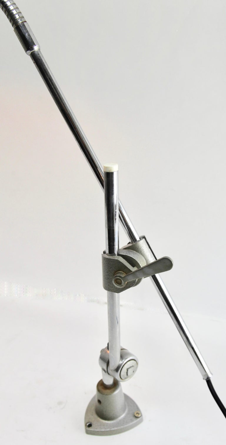 Industrial Anglepoise Lamp 'Silver-Grey' with Adjustable and Flexible Sections For Sale 1