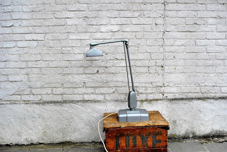 Industrial Floating Lamp from Dazor, 1950 In Good Condition For Sale In Ottenburg, BE