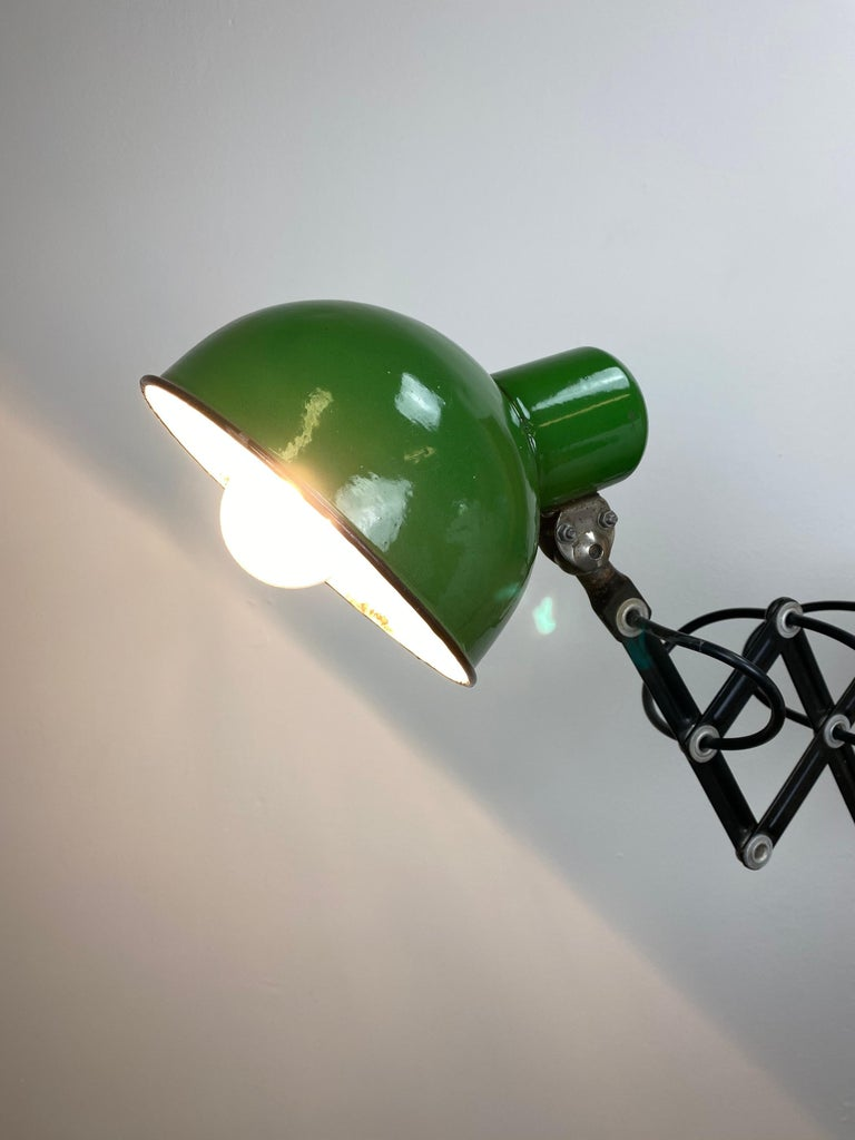 Industrial Green Enamel Scissor Wall Lamp, 1950s For Sale 3