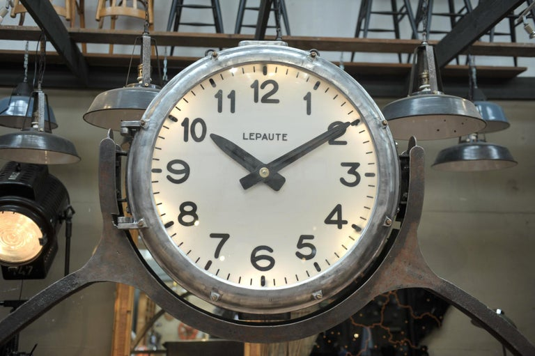 Industrial Large Shelf with Parisian Subway Lepaute Clock, circa 1950 For Sale 1