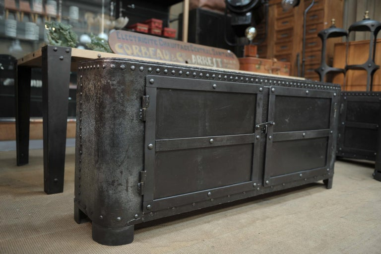 Industrial Riveted Iron Cabinet In Good Condition For Sale In Roubaix, FR
