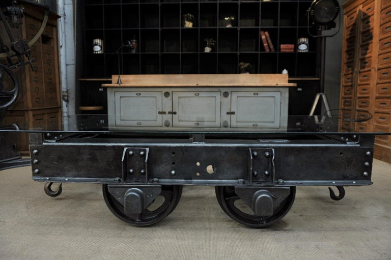 Industrial Riveted Iron Wagon Coffee Table, 1900 For Sale 3