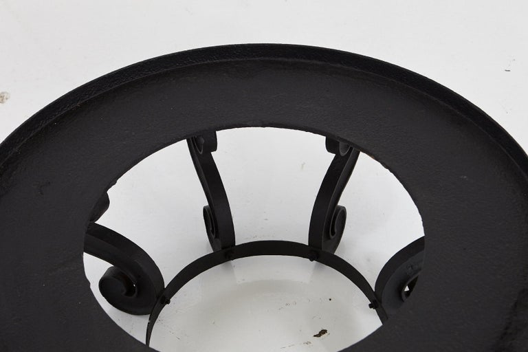 20th Century Industrial Style Large and Low Round Mat Black Iron Garden Table, circa 1920s For Sale