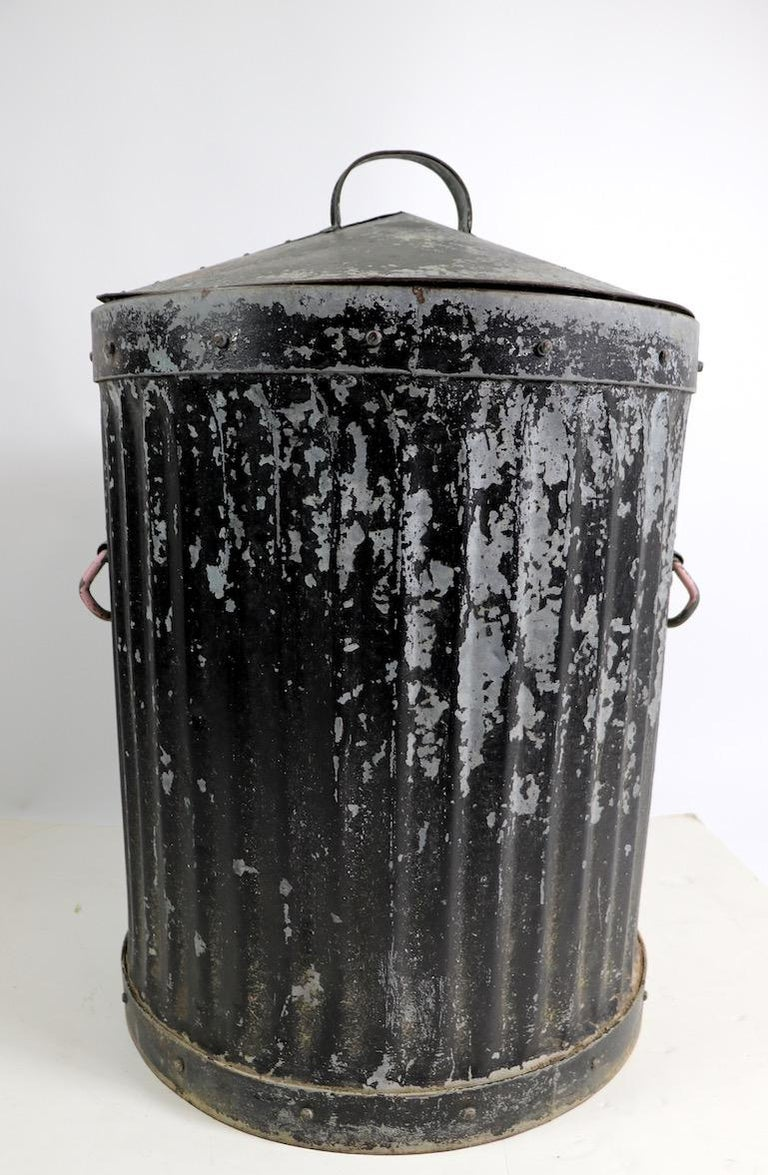 American Industrial Trash Garbage Can with Lid For Sale
