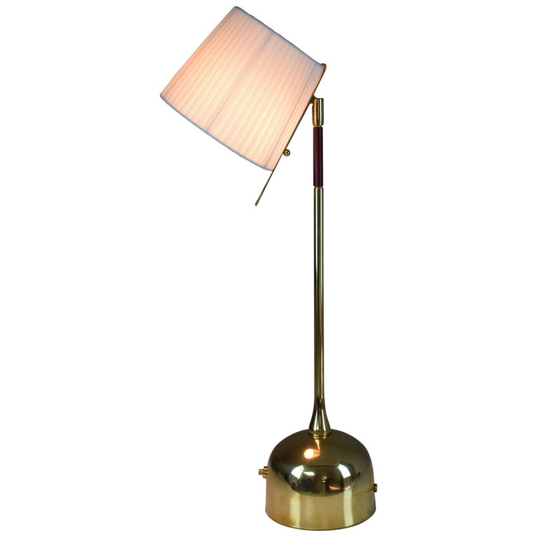 Infinitus-V Contemporary Brass Articulating Table Lamp, Flow Collection For Sale