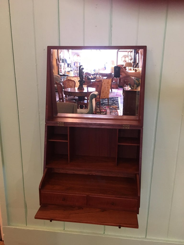 Ingenious and Rare P. Jensen & Knud Frandsen Wall Hanging Toilette Cabinet In Excellent Condition For Sale In Hopewell, NJ