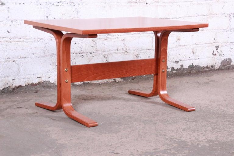 Mid-Century Modern Ingmar Relling for Westnofa Bentwood Teak Siesta Occasional Side Table For Sale