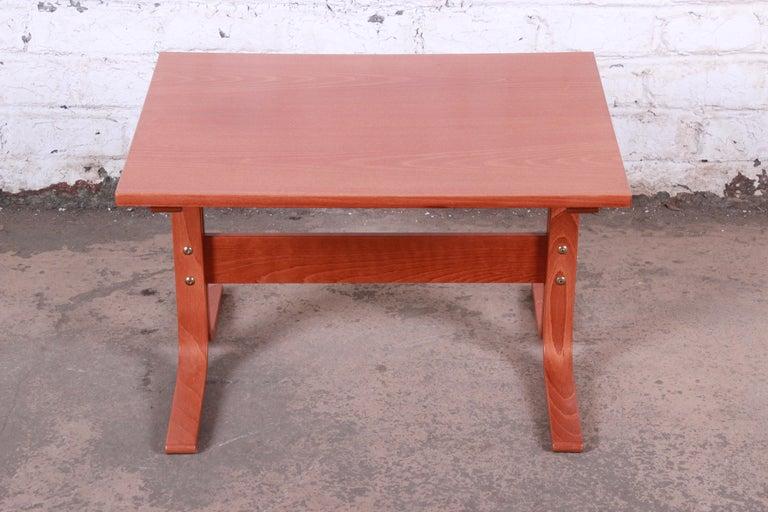Norwegian Ingmar Relling for Westnofa Bentwood Teak Siesta Occasional Side Table For Sale