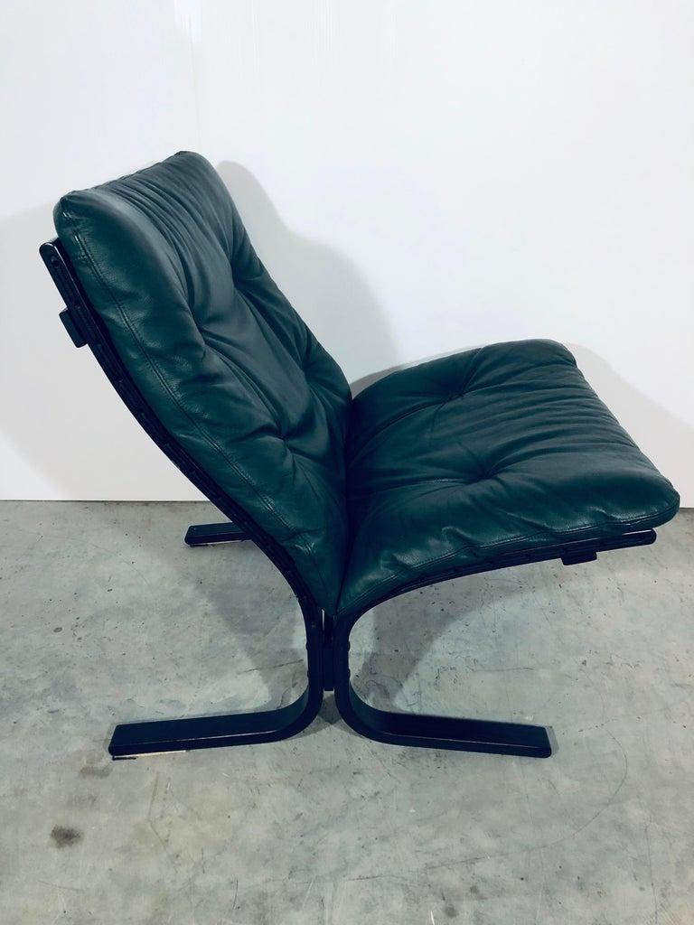 """Norwegian Ingmar Relling for Westnofa """"Siesta"""" Chair in Dark Green Leather, Vintage, 1970s For Sale"""
