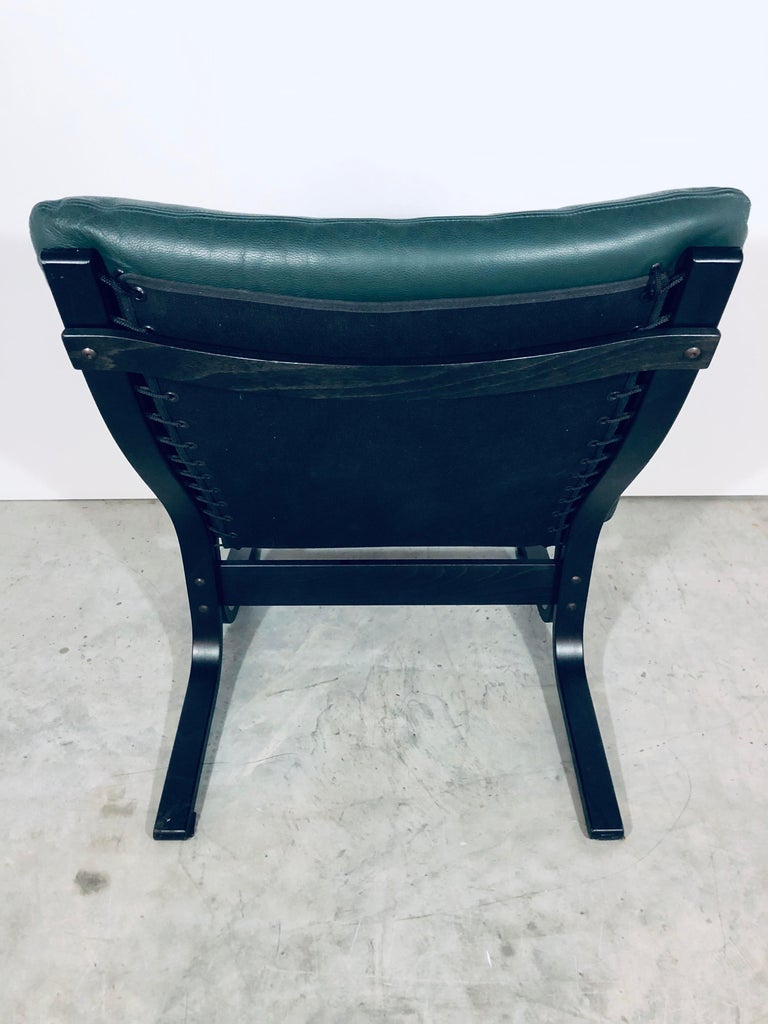 """Ingmar Relling for Westnofa """"Siesta"""" Chair in Dark Green Leather, Vintage, 1970s In Good Condition For Sale In Miami, FL"""