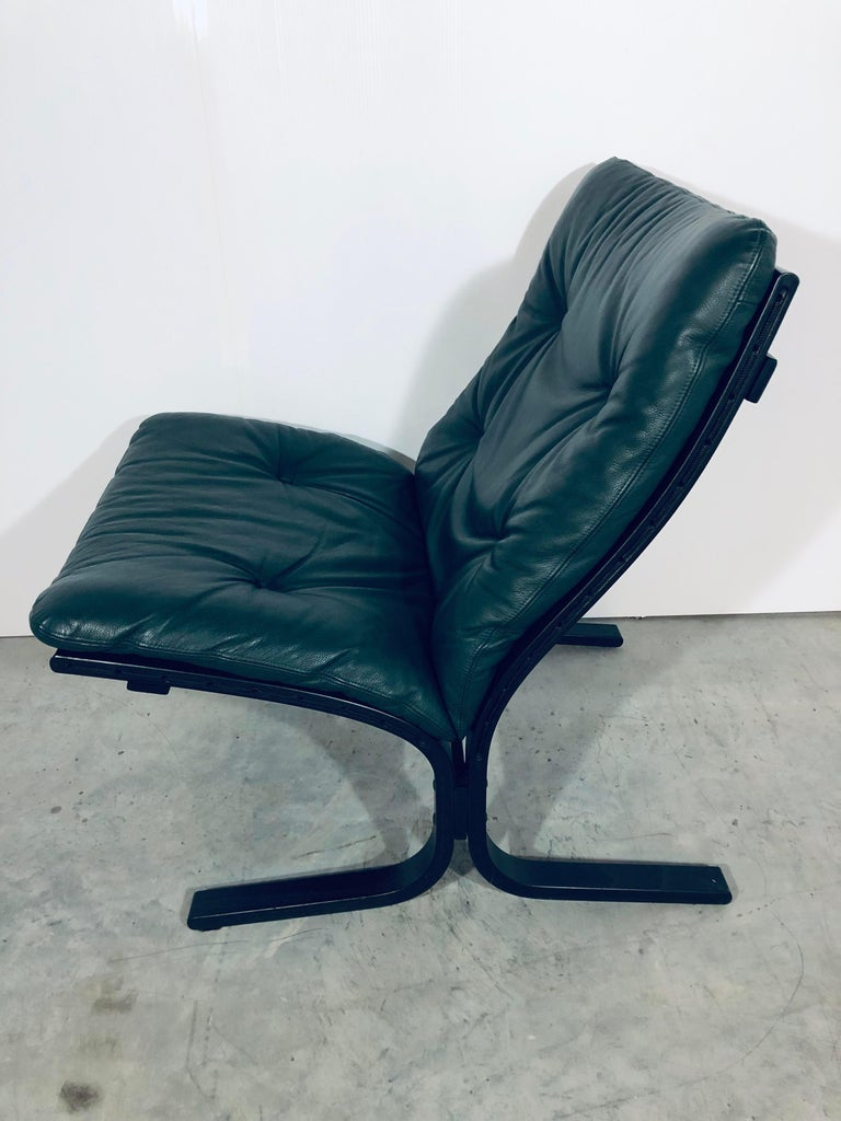 """Late 20th Century Ingmar Relling for Westnofa """"Siesta"""" Chair in Dark Green Leather, Vintage, 1970s For Sale"""
