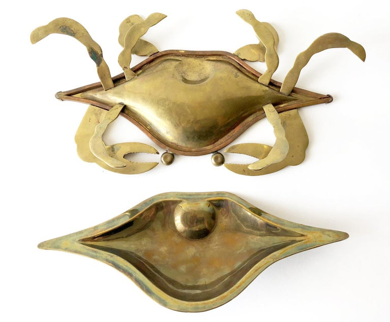 Mexican Modernist Inlaid Abalone Shell Brass Covered Crab Tray In Good Condition For Sale In Pasadena, CA