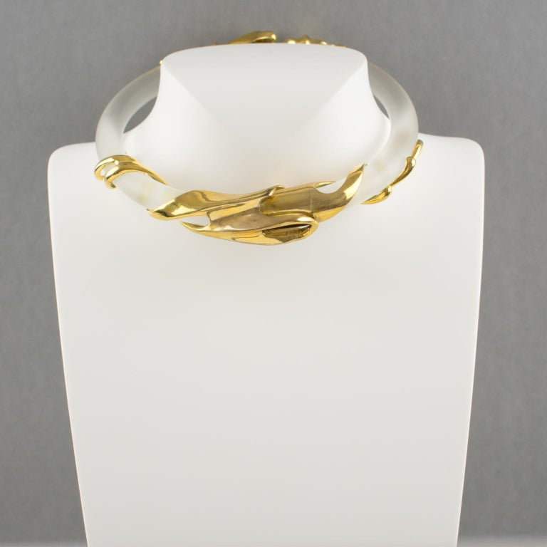 Inna Cytrine Gilded Metal and Frosted Lucite Futurist Collar Necklace In Good Condition For Sale In Atlanta, GA