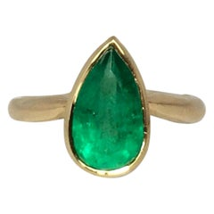 Intense Green 1.94 Carat Colombian Emerald Pear Cut Certified 18k Solitaire Ring