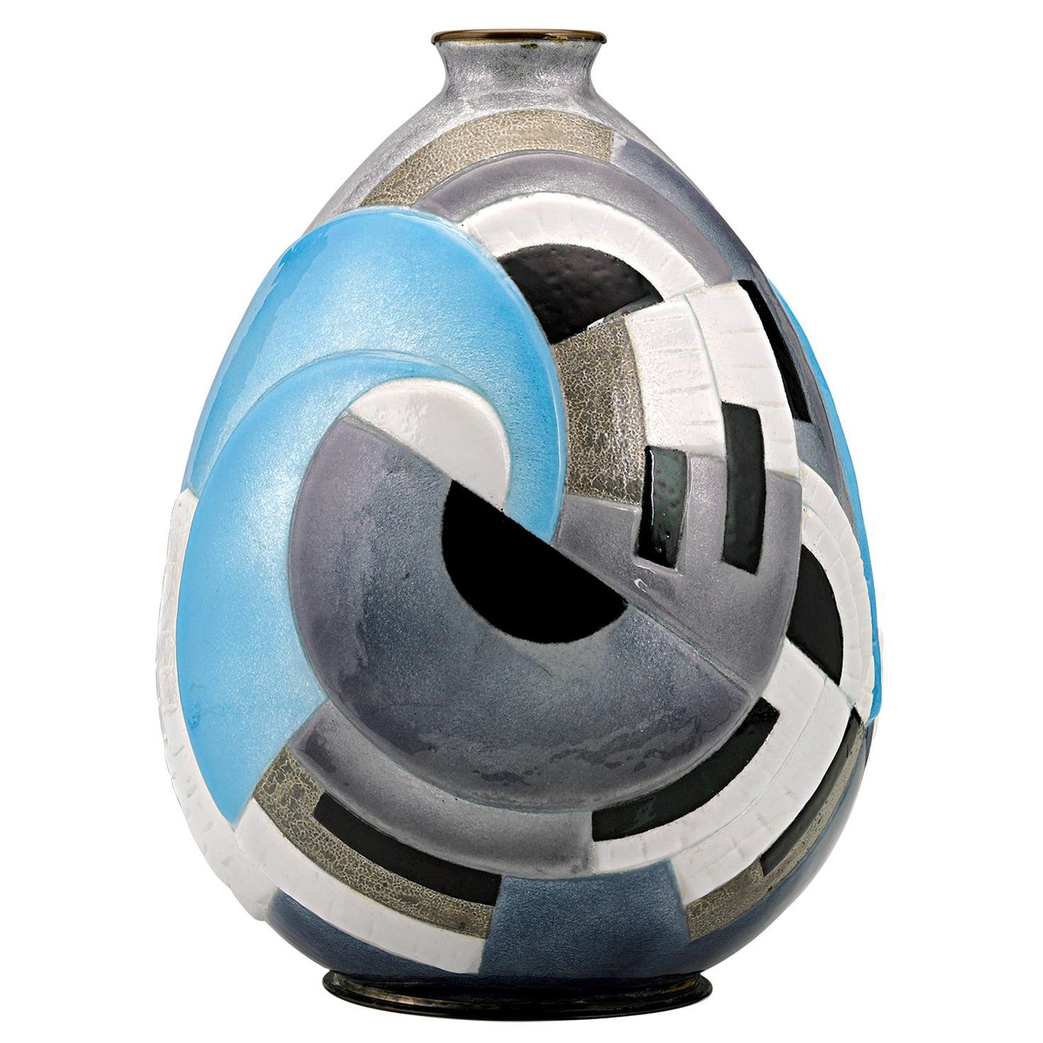 Interlocking Circles Vase by Camille Fauré